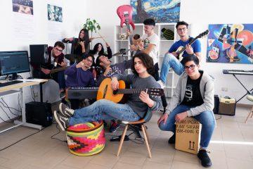 Cherofobia cantata dai ragazzi del liceo volta di Reggio Calabria